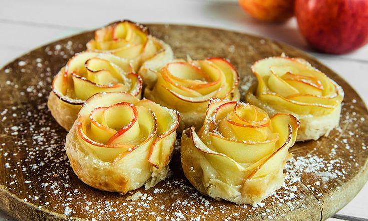 Epleroser er små eplekaker med butterdeig som ser ut som lekre små roser. Epleroser er enkle å lage, og vil imponere både store og små.