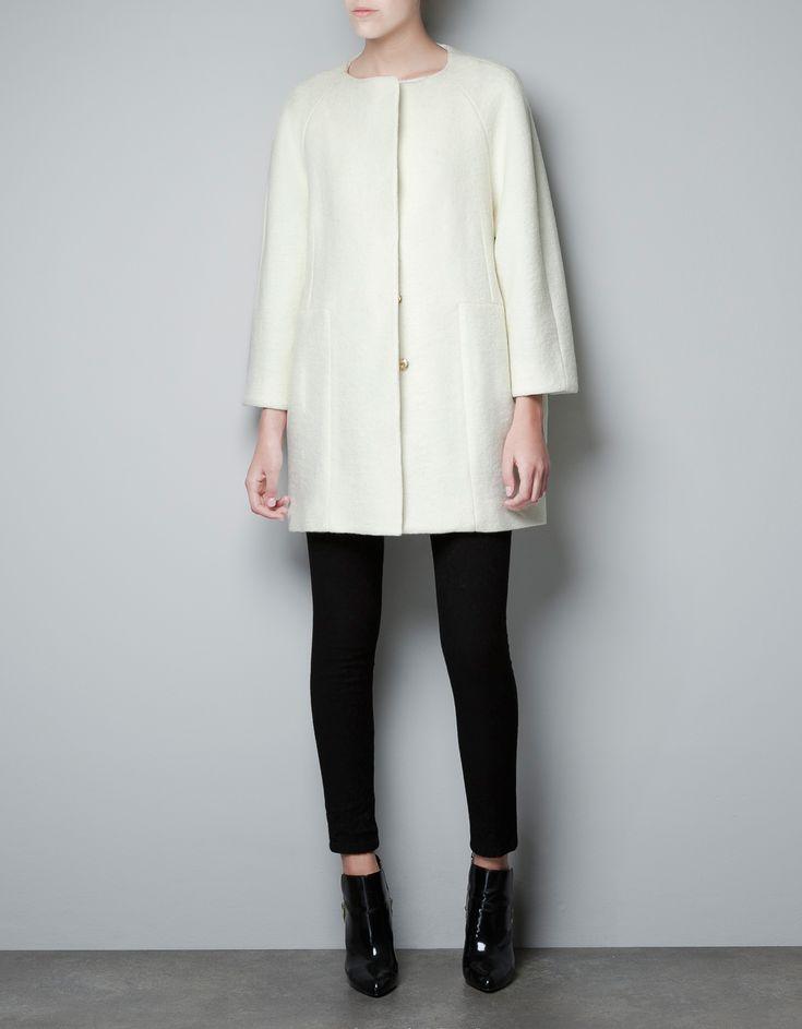 Zara Seamed Coat. So chic and fashion forward <3