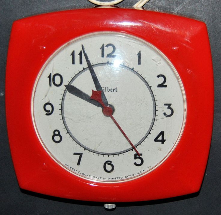 Vintage GILBERT Electric CLOCK Red Model 105 Made in WINSTED, CONN USA 77