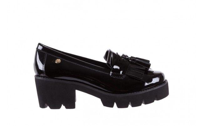 Bayla 018 16471 X23 Black Czarne Mokasyny Damskie Na Slupku I Grubej Podeszwie Marki Bayla W Calosci Z Naturalnej Skory Lakierowanej Prz Loafers Shoes Black