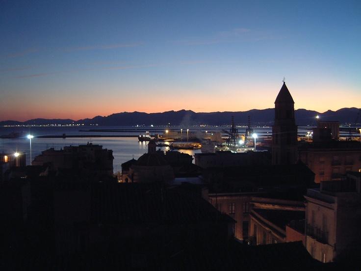 Cagliari alla sera...