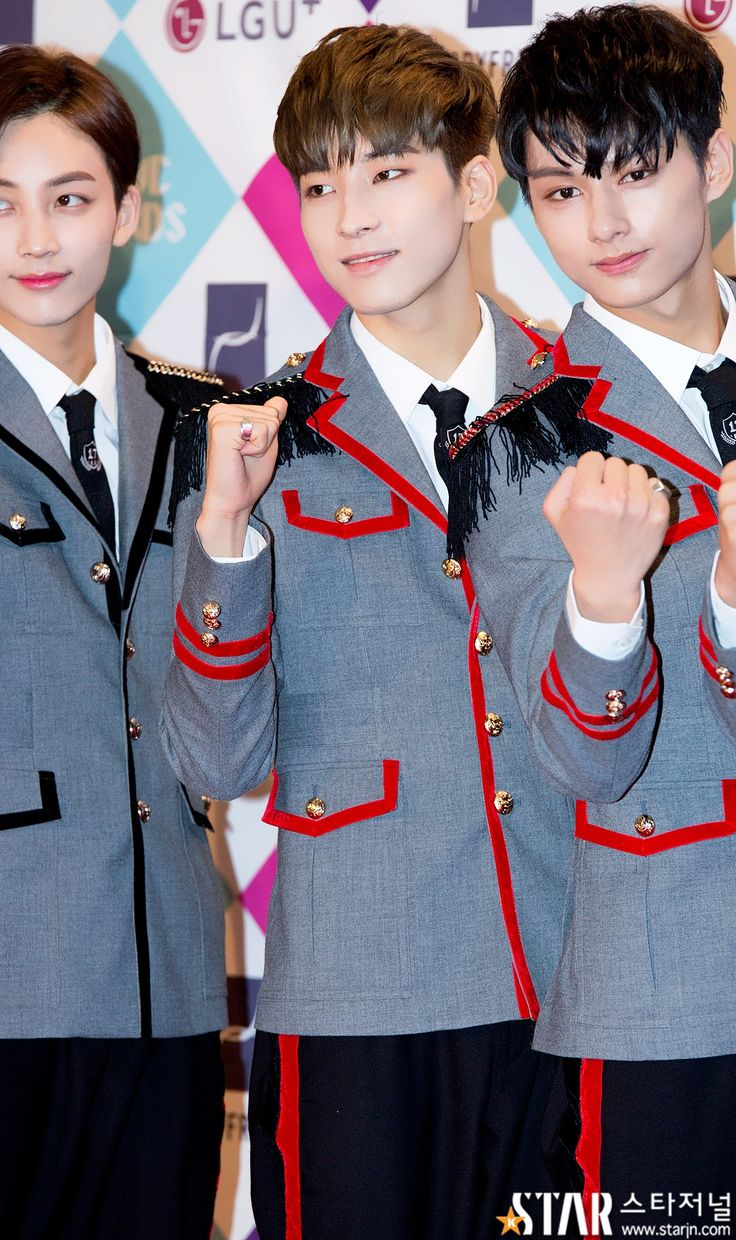 SEVENTEEN Jeonghan, Wonwoo, and Jun / Gayo Daejun Red