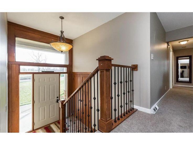 15721 Meredith Dr, Urbandale, Iowa, MLS# 529289, 3 bedroom, 2 bathroom, $300000, Urbandale Homes for Sale