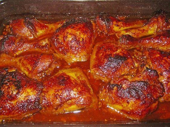 Balinese kipschotel uit de oven.Dit is echt een hemelse Indonesische kipschotel. Dit gerecht is vreselijk lekker dankzij de saus en marinade. Traditioneel wordt dit gegeten met gekookte witte rijst want…