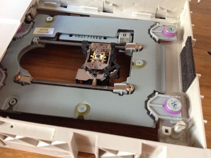 DIY Projects Made With Old Phones | Old phone, Diy ...
