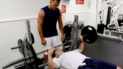 How to Improve on Bench Press- Simple Guide