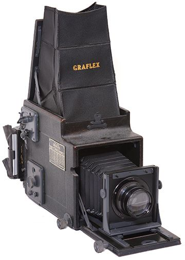"""The Graflex """"Graflex"""" camera is amazing: a large-format SLR, complete with swinging mirror, and an automatic stop-down diaphragm, all over fifty years ago. The Graflex Super D revolving-back single-lens reflex cameras was the last Graflex SLR made."""