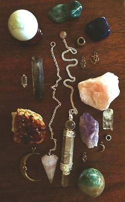 love jewelry hippie Grunge peace bohemian disposable necklace crystals pale om pagan wicca healing crystals pendulum raw crystal quartz crystals healing stones crecent moon