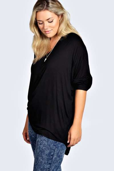 Desiree V Neck Oversized Tee at boohoo.com