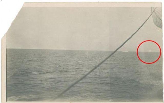 Titanic'in (Titanik) batmasına neden olan buzdağı... http://goo.gl/1X103R