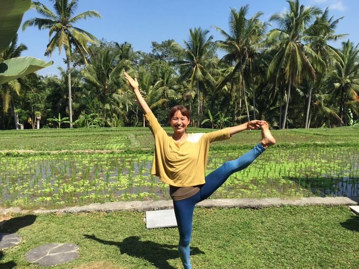 Beautiful yogini Shiho will do a very interesting WS in Osaka, JAPAN :)  http://yogaviola.blog65.fc2.com/blog-entry-306.html