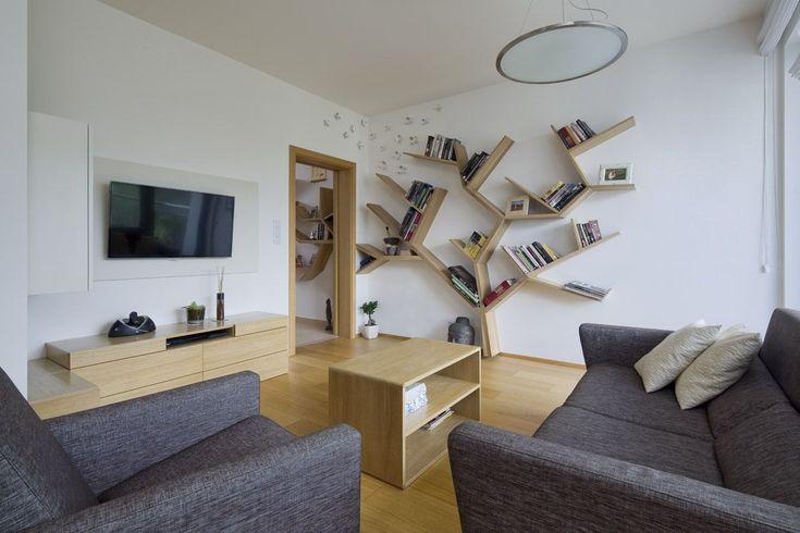 Knihovna dominantou obývacího pokoje