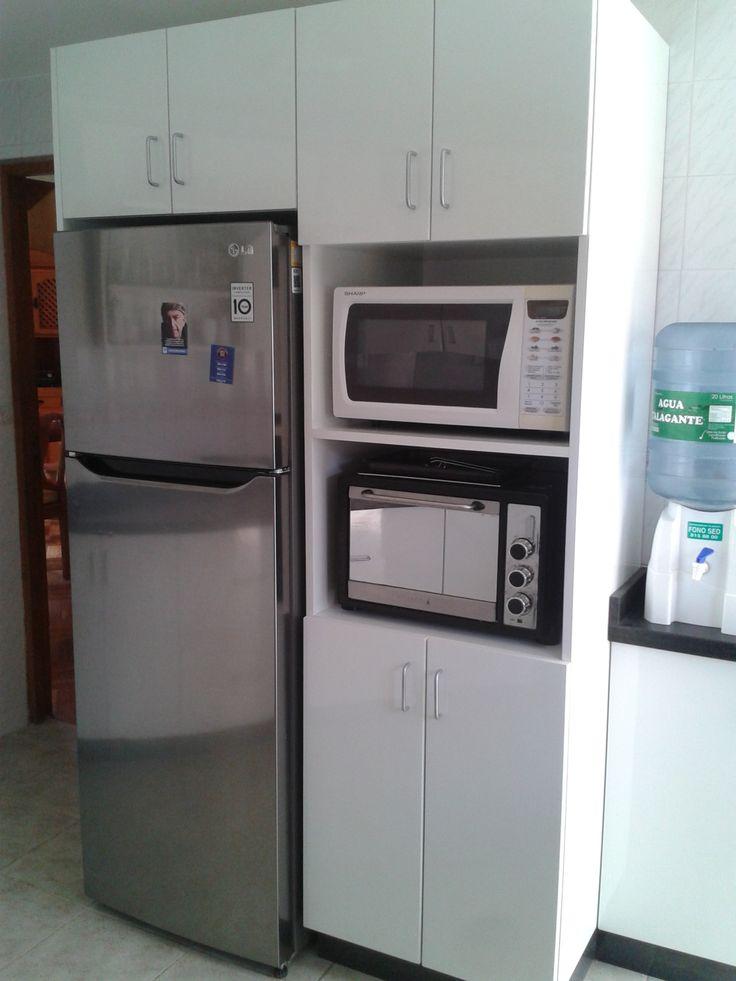 Torre de hornos, mueble adicional para bidón de agua.