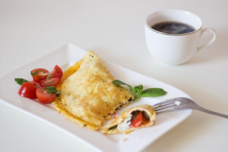 ŚNIADANIE: omlet-z-ricotta-i-pomidorkami