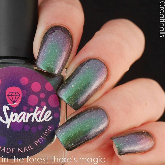 One more swatch of 'In The Forest There's Magic' from the 'Spring 2017' collection. Swatch is made in 3 thin coats by Annelie @creatinails Will be released Monday 5/1 in my Etsy shop (link in bio) . . . . #indiesshakeitbetter #indienailpolish #indiepolish #spring2017 #indiepolishaddict #indiepolishlove #nailpolish #mssparkle #spring #nailporn #crueltyfree #indienagellack #holo #instaindies #nailpolishaddicts #supportindiemakers #multichrome #indieswatch #nailvarnish#kynsilakka #indiepolish…