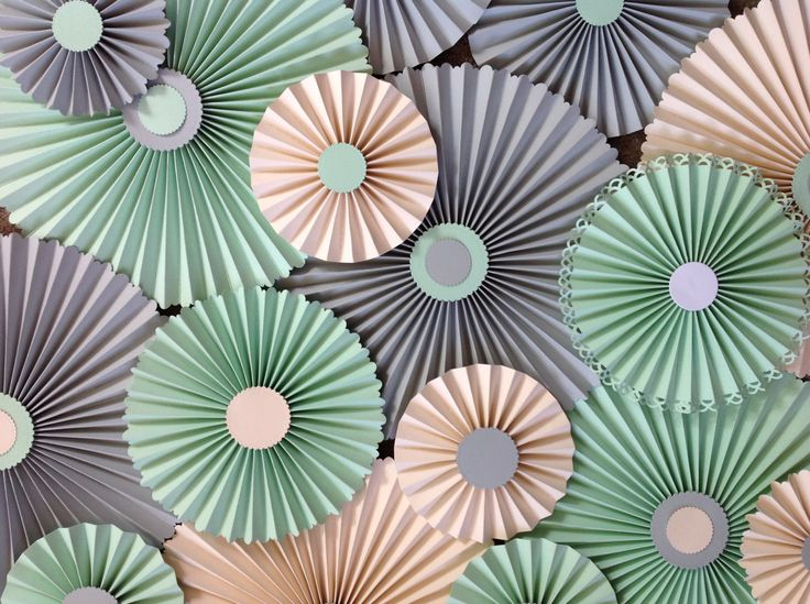 Paper fans backdrop/ Paper rosettes /Baby shower décor/Pinwheels/Paper fans/Wedding décor/Centrepieces Punched edges Set of 20 by MrsBowEventSupply on Etsy