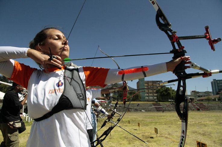 Participante del torneo nacional de Tiro con Arco que se realizó en Quito.
