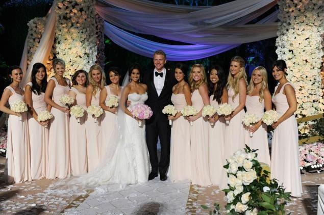 Giudici and Lowe's spectacular wedding follows their romance on the show's 17th season.