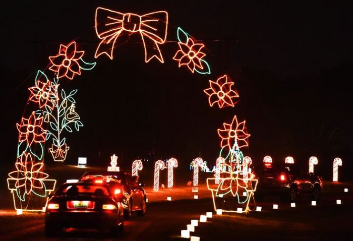 5 Drive Thru Christmas Lights Displays In Alabama The Whole Family Can Enjoy In 2020 Christmas Light Displays Christmas Lights Light Display