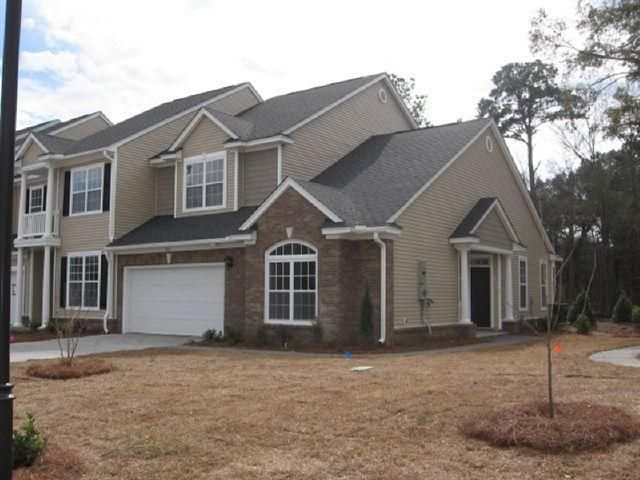 Carolina Bay - MLS# 16004776 http://ift.tt/1R5jZ7W Last Update: Thu Feb 25th 2016 12:00 am   Provided courtesy of Margaret Hurtes of Bill Hurtes Realty You must see this END UNIT townhome with open floor plan HARDWOOD floors eat in kitchen with island and MASTER SUITE DOWNSTAIRS. The master has a large walk in closet tray ceiling and bathroom has a garden tub and separate shower. The family room has vaulted ceilings gas f/p and lots of natural light. Upstairs are 2 additional bedrooms with…