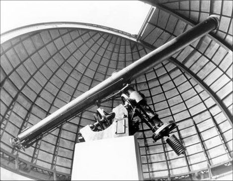 The massive 27 inch Lamont Refractor during its operational lifetime in the Lamont-Hussey Observatory on Naval Hill, Bloemfontein (photo taken in 1965)