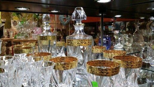 Zestaw krysztalowy do whisky platyna i zloto.