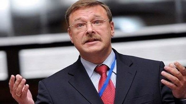 """Rusya: Türkiye Suriye'ye karadan girerse... - Rusya parlamentosunun üst kanadı Federasyon Konseyi'nin Uluslararası İlişkiler Komitesi Başkanı Konstantin Kosaçov, Türkiye'nin Suriye'ye karadan girmesi durumunda arkasında Batı desteği olmayacağı gibi, """"karşısında İran ve daha kötüsü Rusya'yı bulacağını"""" iddia etti."""