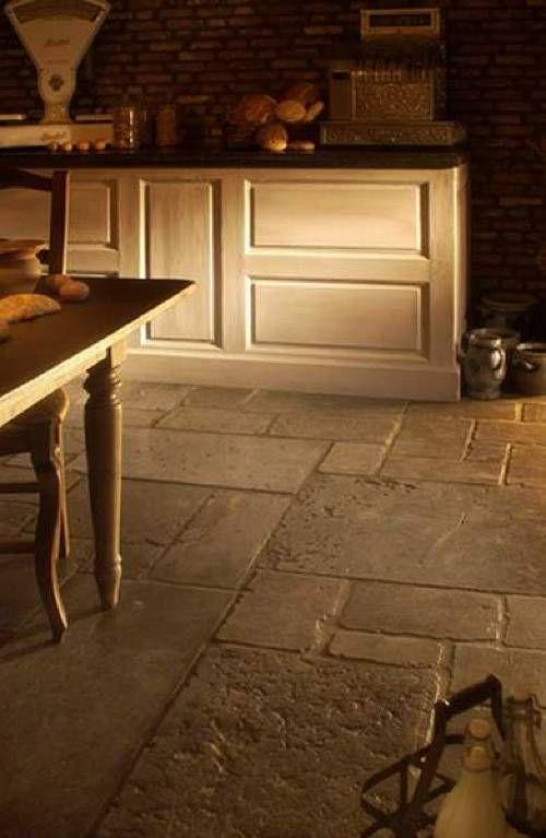 Antieke Hardstenen Kerkdallen. Floors Of StoneTile