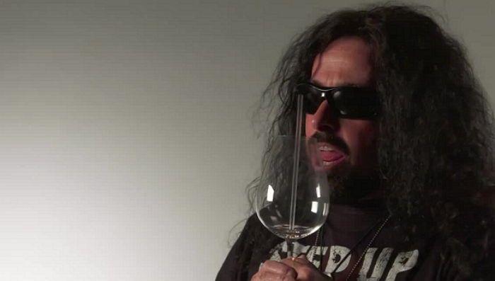 고음으로 와인 잔 깨뜨리는 보컬 트레이너 (영상) #insight
