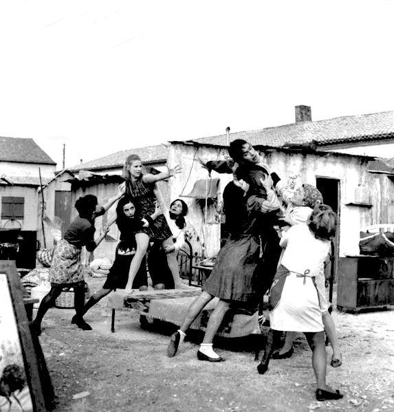 Finos Film - Photo Gallery Ταινίας: 'Γυμνοί Στο Δρόμο' (1969)