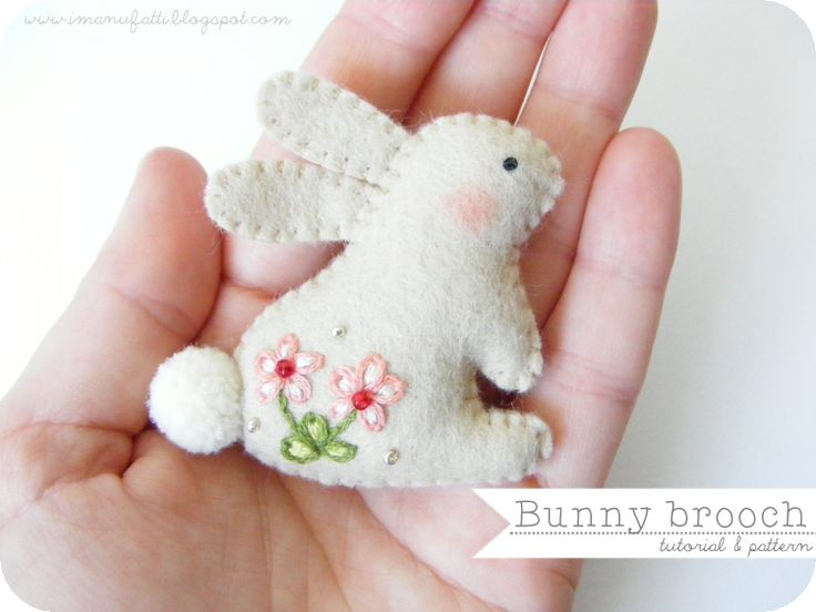 Tutorial for a sweet bunny brooch.