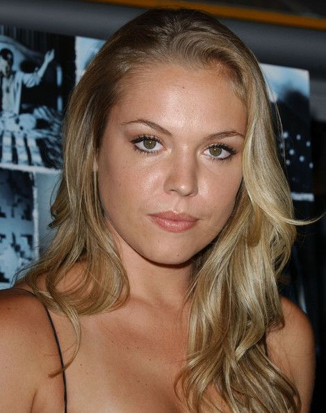 Agnes Bruckner Nude Photos 77