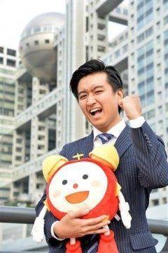 歌手藤井フミヤの長男でフジテレビに今年入社した藤井弘輝アナウンサーが初レギュラーとして月から情報番組めざましテレビに出演することが分かりました 朝から笑顔と元気を与えられればと全力投球を誓っていましたよ()