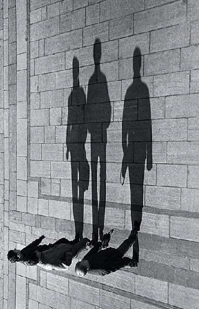 Shadow Project - 70 Strange Photos That Are Not Photoshopped | 10Steps.SG
