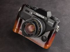Fuji X-T10 with KIPON LM-FX adapter, Leica Summilux-M 35mm F1.4 and Cherry Sunburst leather case