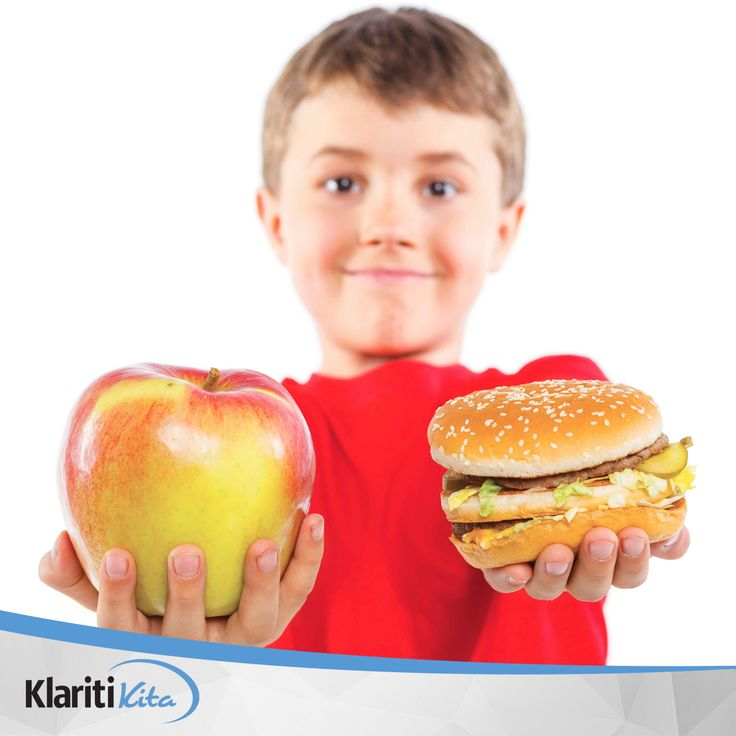 Perhatikan konsumsi junk food pada anak Anda ya, sahabat KlaritKita. Terlalu sering mengkonsumsi junk food dapat menyebabkan obesitas pada anak - anak karena rendahnya nutrisi namun tinggi kalori dari gula tambahan dan lemaknya.