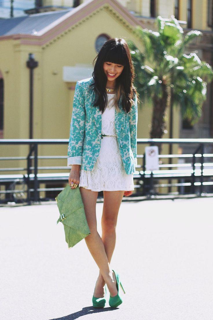 :)Floral Prints, Street Style, Outfit, Prints Blazers, Jackets, White Lace Dresses, Floral Blazer, White Dresses, Vintage Necklaces