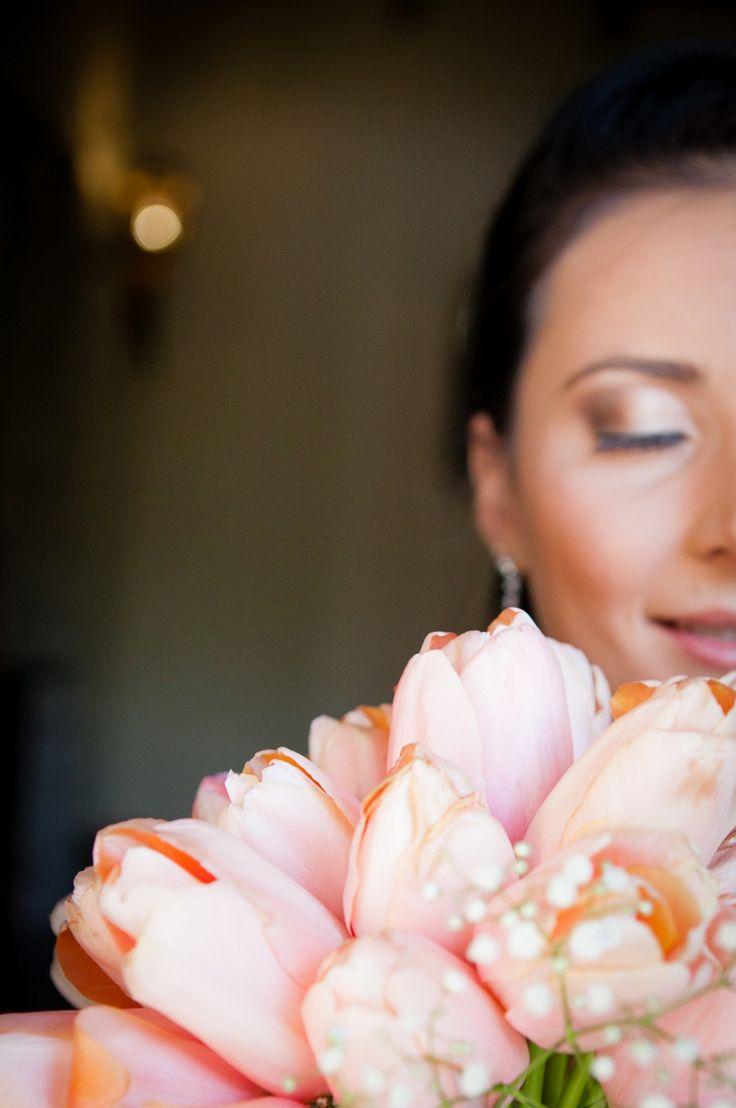 #Bride #Tulips #Love #Romance #weddingday #everymomentamemory #photographer
