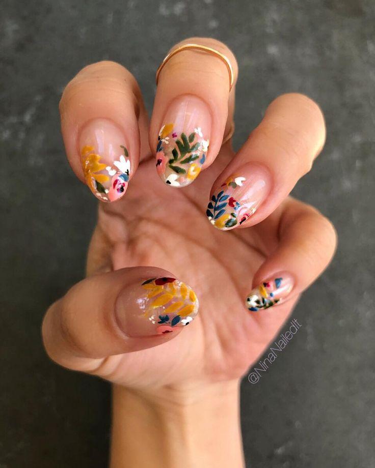 floral + negative Leerzeichen Manis !!  – Marrow Mani