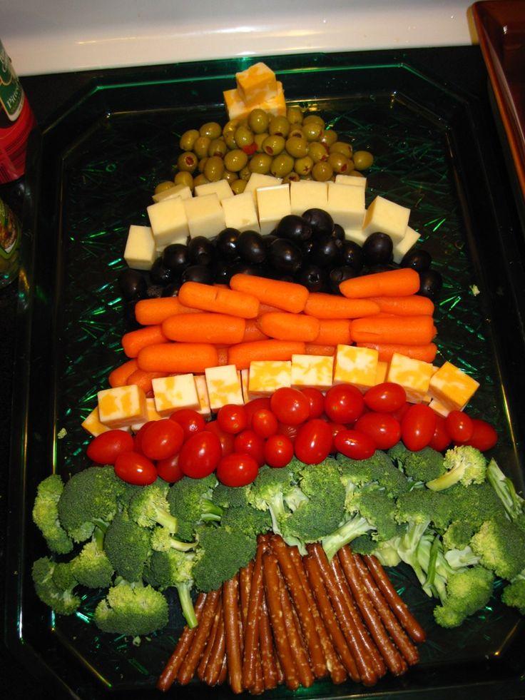 Christmas tree veggie tray - fun !
