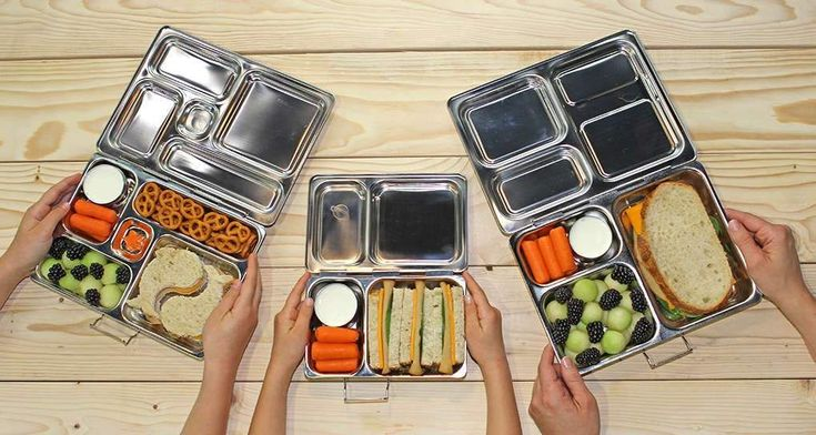 PlanetBox is the smart lunchbox that guides you in packing a well-balanced meal quickly and easily.