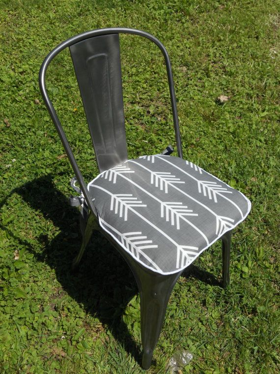Arrows Gray And White Chair Pad  2 Inch Foam   Made To Fit Chair Pad    Arrows, Grey And White, Knife Edge, Chair Pad   22 L X 22 W.