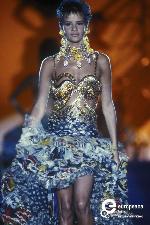Gianni Versace Designs 568 best images about ...