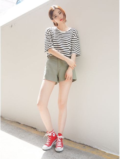 This pin was discovered by Yessica Natalia. Korean and Japanese Fashion Style. Korean daily fashion
