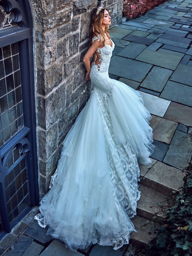 203 best Robes de mariée images on Pinterest | Wedding frocks ...