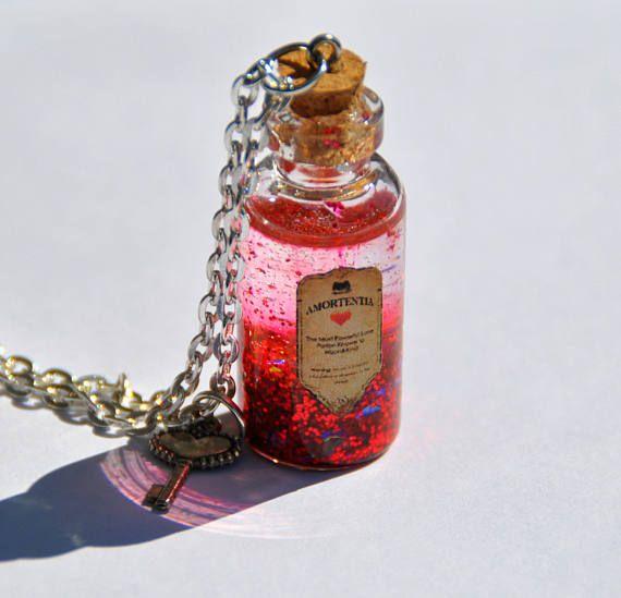 Collana con ciondolo ispirato alla serie di Harry Potter, Amortentia filtro d'amore, pozione rosso in bottiglia di vetro