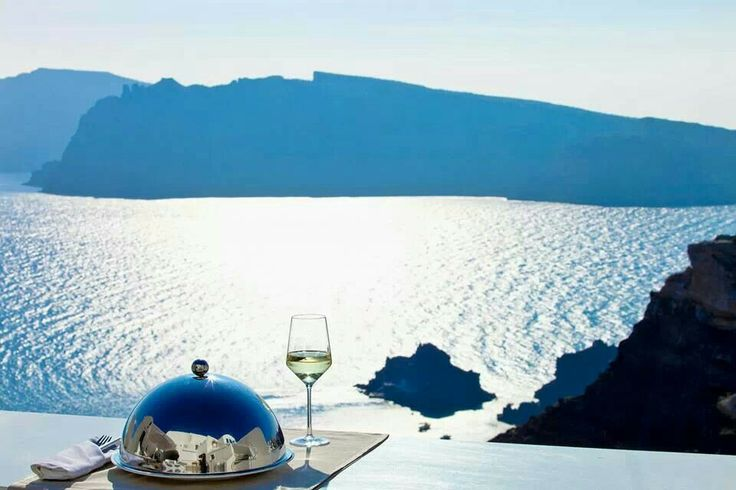 Santorini Greece and a stay at the Alta Mare by Andronis #resort #hotel