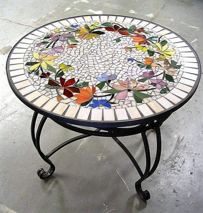 Best 25 mosaic furniture ideas on pinterest mosaic for Mosaic coffee table designs
