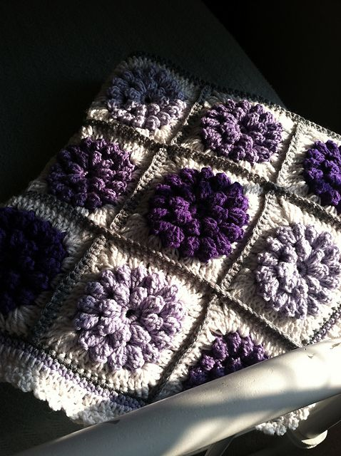 kimberlowe's Roxie's Girlie Blanket ... I need this.