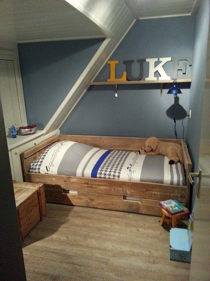 steigerhout / steigerhouten bed/ jongenskamer/ zolderkamer/ boys room